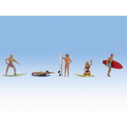 Noch 15853 : Surfers